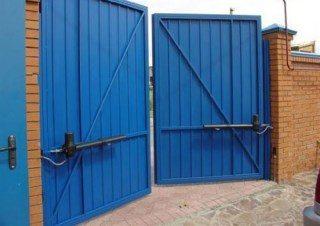 Фото процесса производства Промышленные распашные ворота в Казани