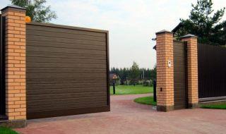 Фото процесса производства Откатные ворота из профнастила в Казани