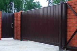 Металлические откатные ворота в Казани