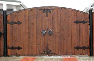 Деревянные распашные ворота в Казани