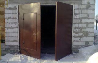 Гаражные распашные ворота в Казани