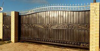 Фото процесса производства Кованые ворота откатные в Казани