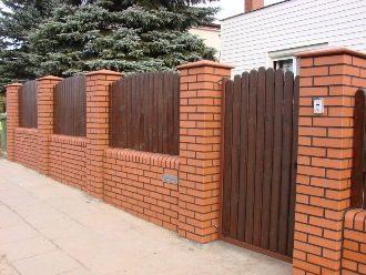 Кирпичный забор под ключ в Казани